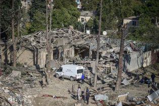 В Азербайджані пообіцяли дати жорстку відповідь на поле бою Вірменії, якщо вони обстріляють мирні міста