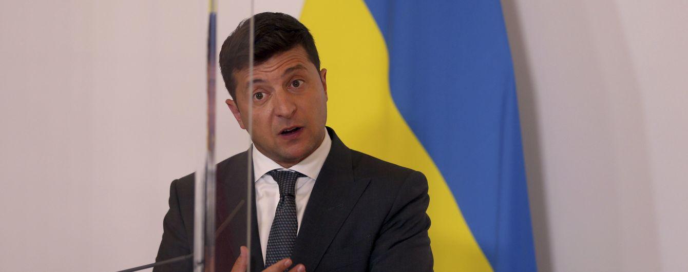 У Зеленского попытались объяснить, зачем проводить опрос о наказании для коррупционеров