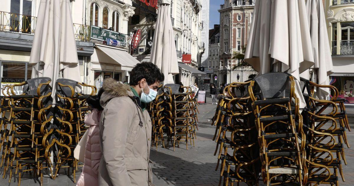 Франція відновлює режим надзвичайного стану через пандемію COVID-19