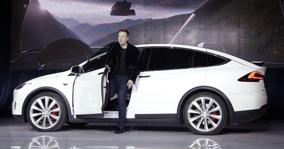 Ілон Маск посунув Біла Гейтса із другої сходинки найбагатших людей світу