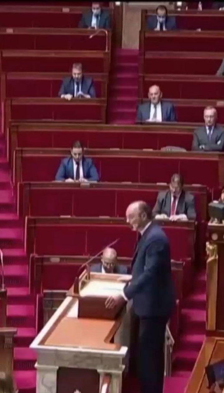 Французи звинувачують урядовців у недбалій реакції на початок пандемії коронавірусу