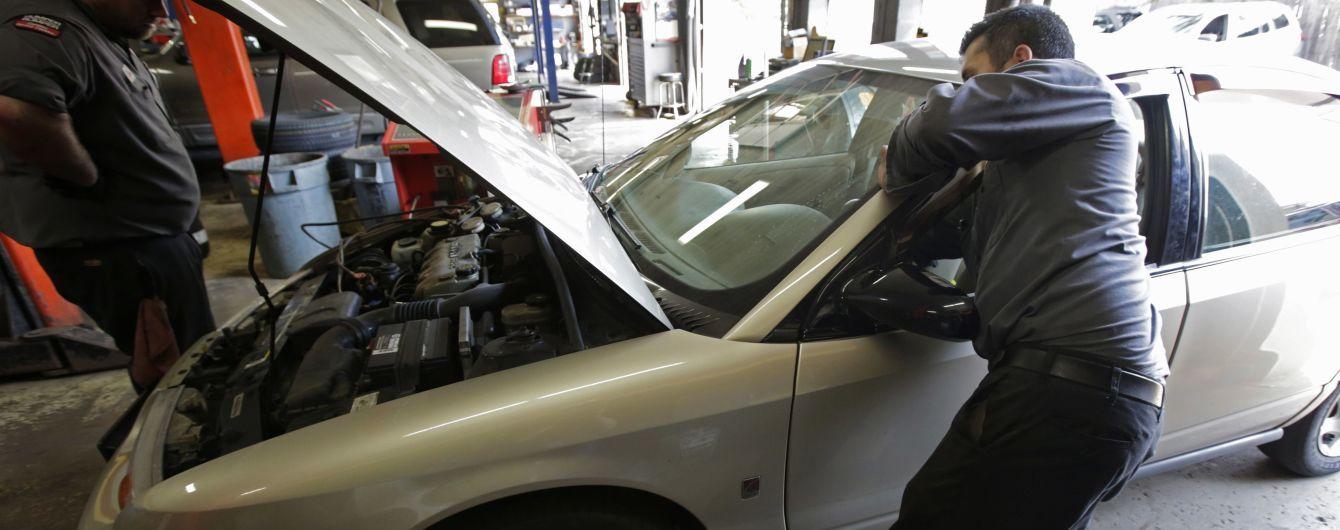 Названі основні звички водіїв, які можуть призвести до дорогого ремонту авто