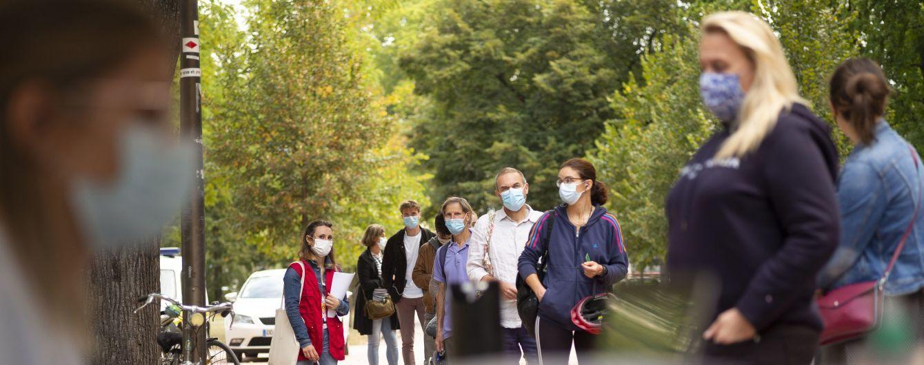 Комендантский час и ограниченные прогулки: в Европе все жестче ограничивают граждан из-за коронавируса