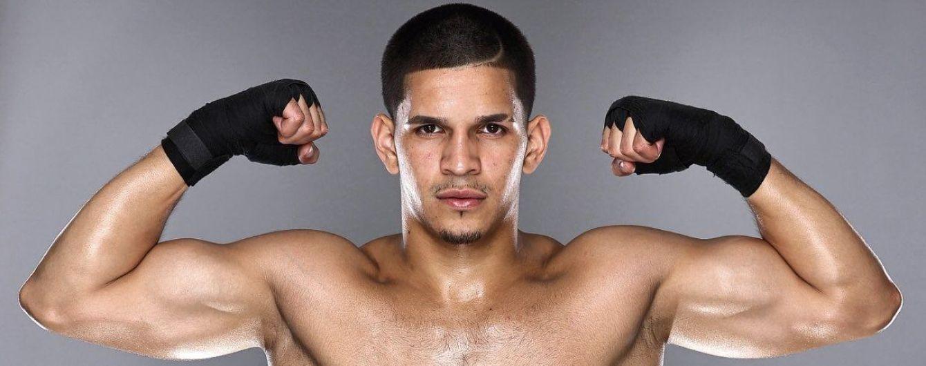 Просто монстр: 23-річний боксер нокаутував суперника в першому раунді в 15-му бою поспіль (відео)