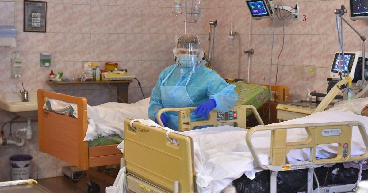 """Україна закупила для пацієнтів з COVID-19 """"Ремдесивір"""", який ВООЗ назвала неефективним"""