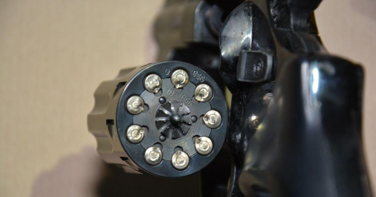 У Житомирській області зять підстрелив тещу з револьвера