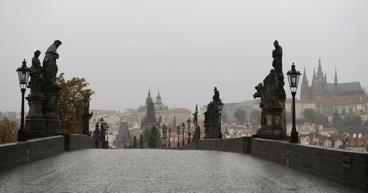 У російського посольства в Празі вимагають повернення пів гектара землі