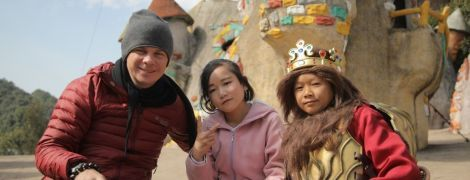 Дмитро Комаров побував у незвичайному парку розваг з мініатюрним світом в Китаї