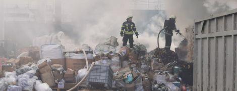 Под Киевом загорелось химпредприятие — есть пострадавшие