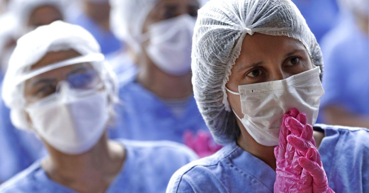 """Сколько людей мы успели заразить — одному Богу известно"""": семья из Мелитополя переболела COVID-19"""