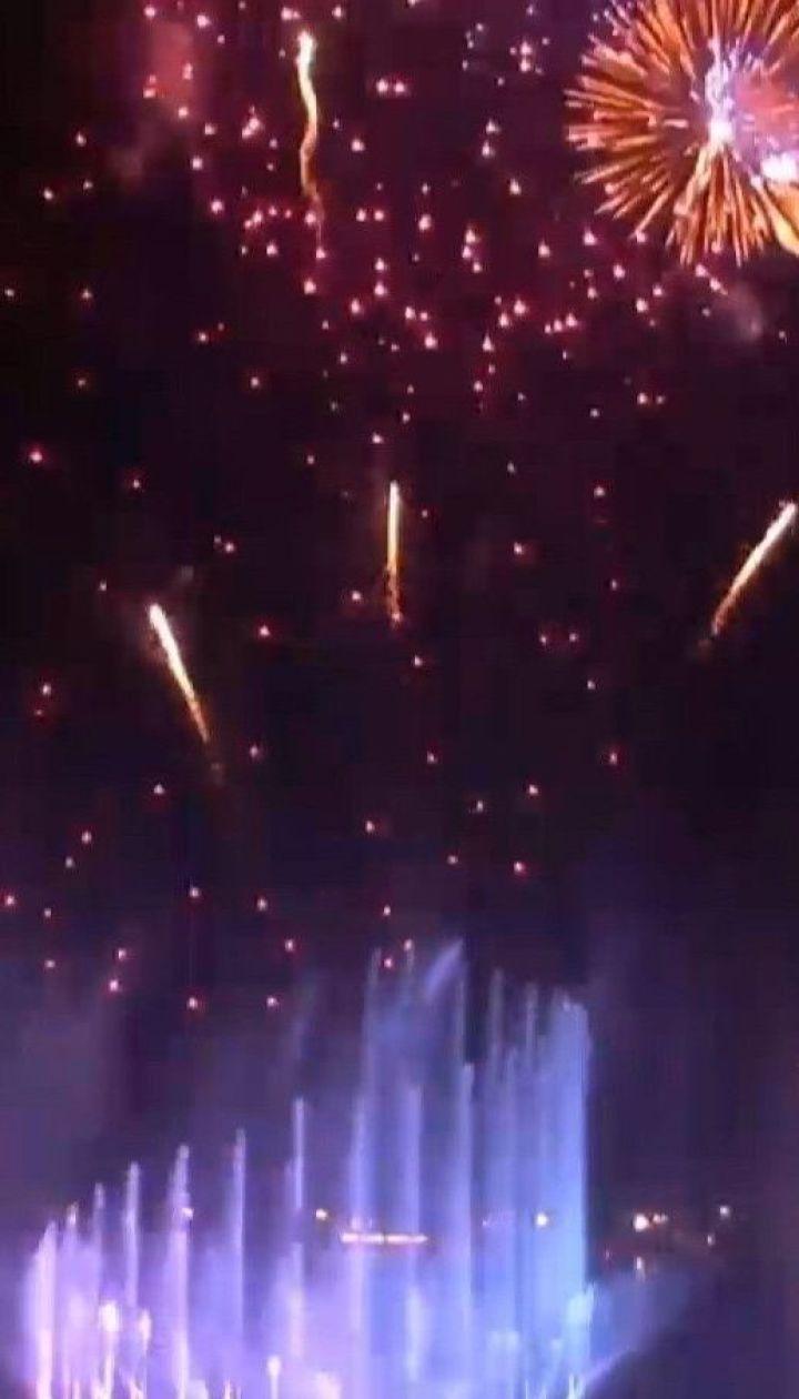 В ОАЕ відкрили найбільший у світі музичний фонтан