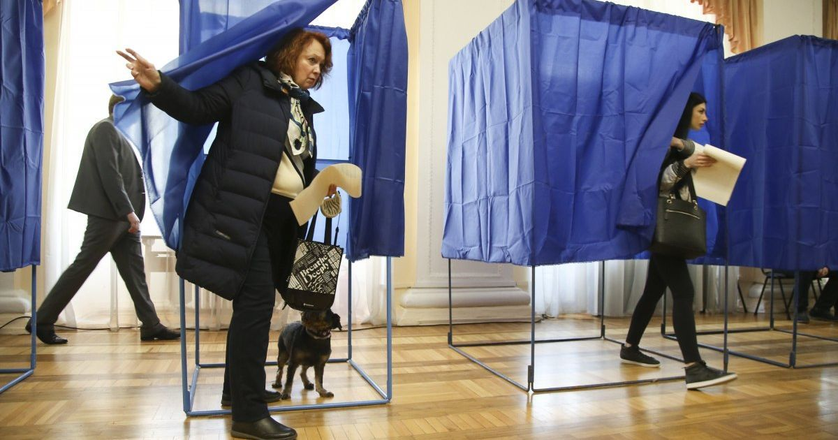 Второй тур выборов мэров: в 11 украинских городах будуть выбирать глав населенных пунктов