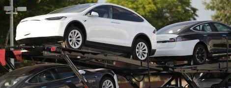Tesla відкличе 30 тисяч моделей через серйозний дефект