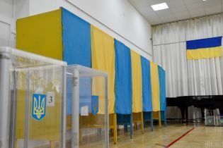 Местные выборы-2020: украинцев предупредили о штрафах за агитационные маски на участках