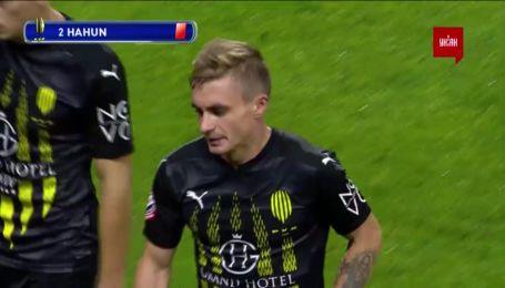 Заря - Рух - 0:0. Арбитр после просмотра VAR отменил желтую карточку Гагуну и дал красную