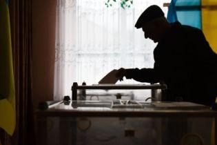 Во Львове на трех избирательных участках пропал свет