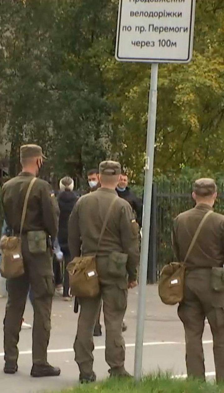 Почти во всей Украине не придерживались противоэпидемических мер на выборах