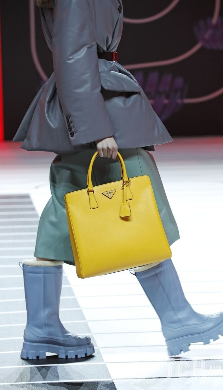 Колекція Prada прет-а-порте сезону осінь-зима 2020-2021 @ East News