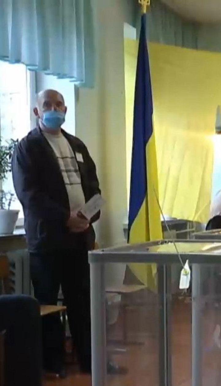 По последним данным ЦИК, на местных выборах проголосовали лишь 37% украинцев