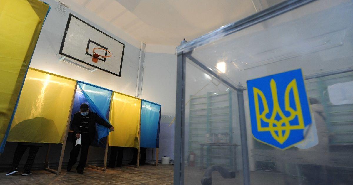 Несмотря на интриги, склоки и скандалы вокруг мэрии: как в Черновцах прошел второй тур выборов