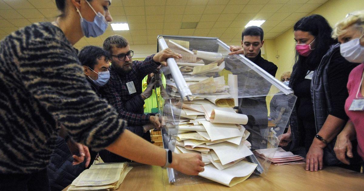 Вдвое больше, чем на парламентских: какие наиболее вопиющие нарушения на местных выборах произошли после голосования