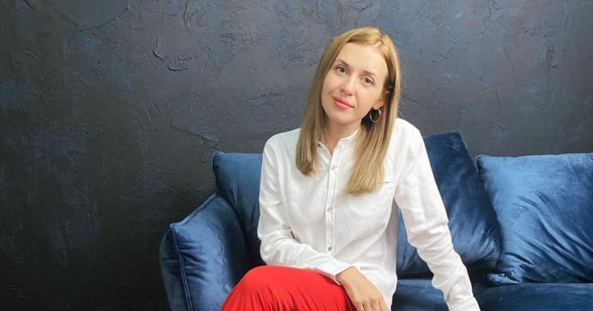 """Нападение на женщину в поезде """"Мариуполь-Киев"""" Анастасия Луговая встретилась на суде с обидчиком и рассказала о своем восстановлении"""