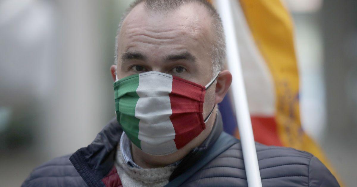 """В странах Европы фиксируют """"коронавирусные"""" рекорды: как реагирует власть"""