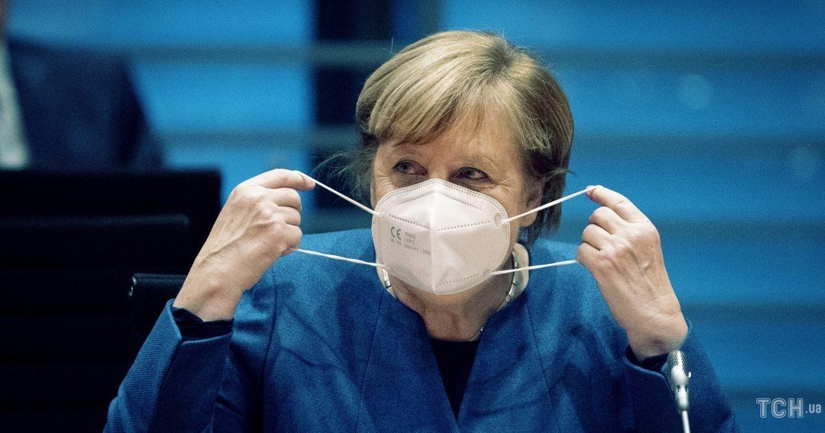 Германия усиливает карантин и раздаст бизнесу безвозвратные денежные компенсации