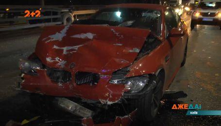 Аварія з постраждалими у столиці: чотири людини опинились на лікарняних ліжках через одного водія