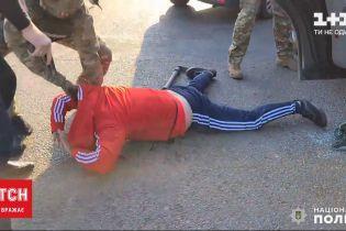 У Миколаївській області затримали бандитів, які катували й грабували людей