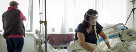 Чернівецька лікарка заявила, що хворі на коронавірус самі купують балони з киснем: як відреагували в ОДА