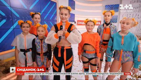 """Победители WORLD OF DANCE: коллектив THE BOND в """"Сніданку з 1+1"""""""