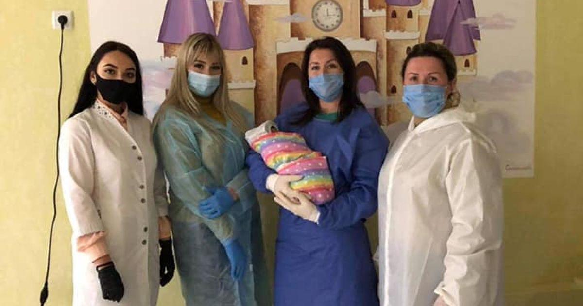 В Ивано-Франковске оставленный матерью младенц нашел новую семью: фото