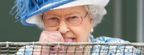 Вона не ідеальна: шкідливі звички королеви Єлизавети II