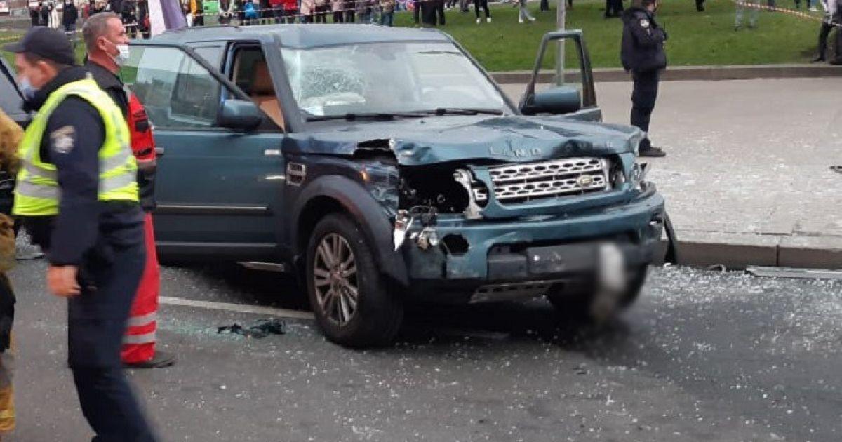 Смертельна ДТП на Майдані в Києві: водія Land Rover перевіряють на наркотики