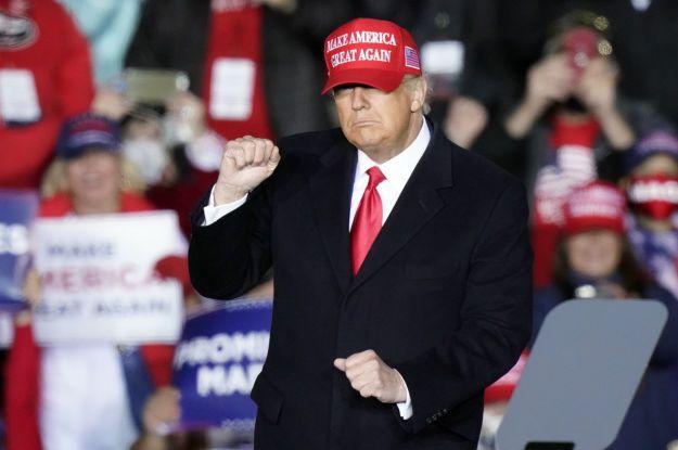 """Трамп серьезно рассматривает идею снова пойти в президенты США, поскольку """"скучает за помощью людям"""""""