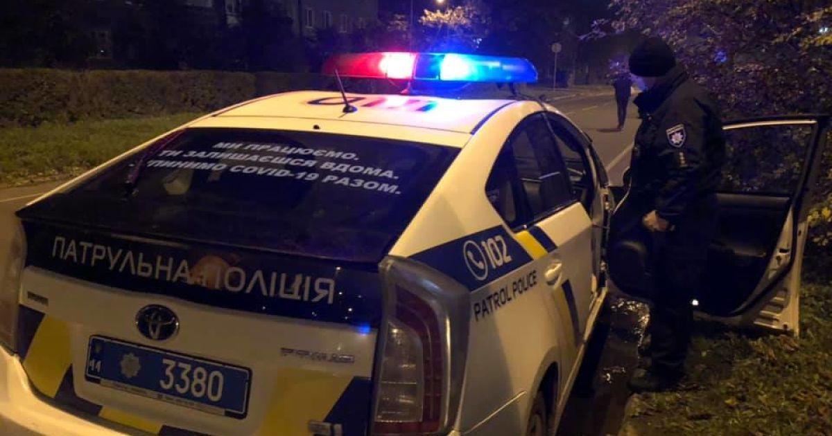 У Києві чоловік запросив у гості дівчат і відкрив стрілянину: що сталося