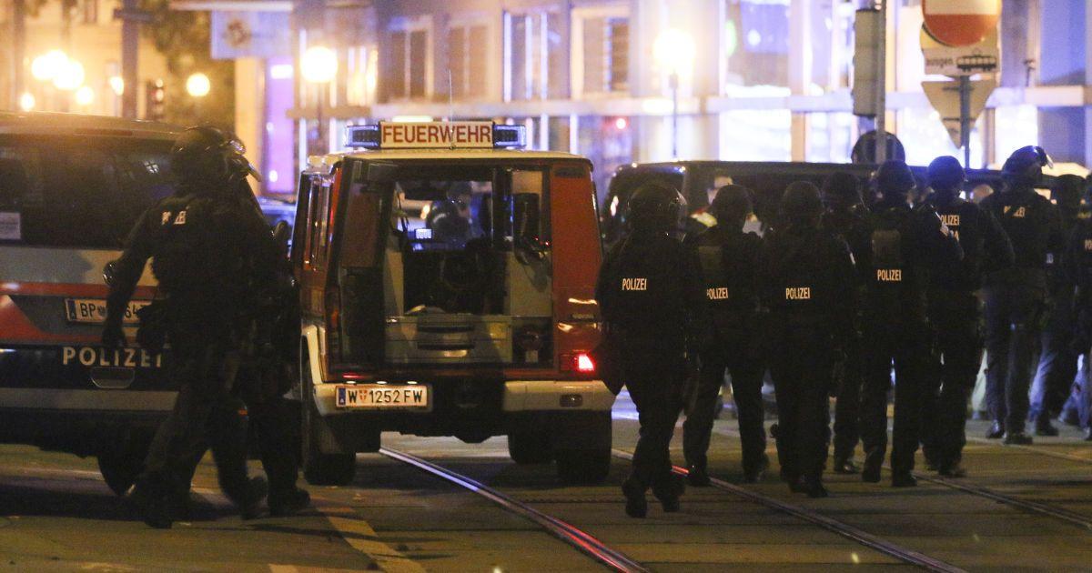 В Вене увеличилось число жертв стрельбы: в теракте подозревают джихадистов
