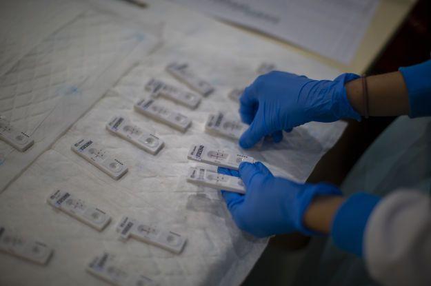 Станет ли коронавирус сезонным заболеванием и когда ждать нового скачка: что говорят ученые и врачи
