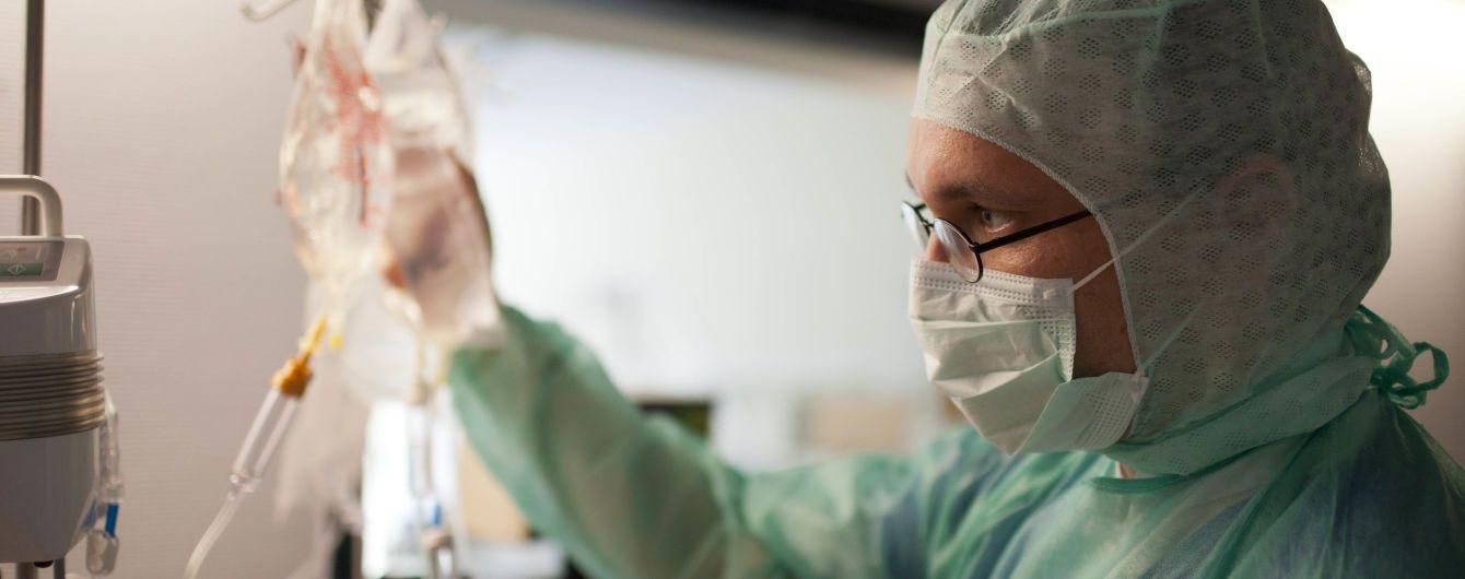 У десяти областях України лікарні на понад 70% зайняті хворими з коронавірусом