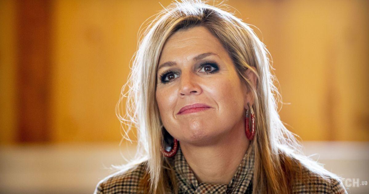 В изумрудной блузе от Gucci: королева Максима пообщалась с премьер-министром Италии