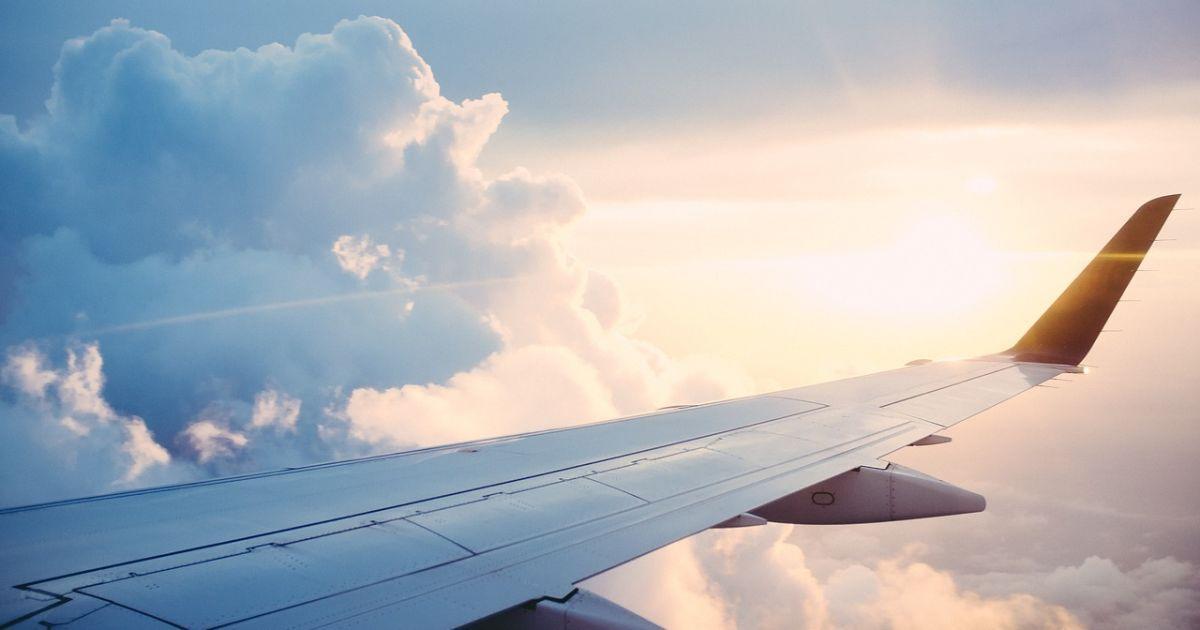 Грузия возобновляет международное авиасообщение: когда и при каких условиях