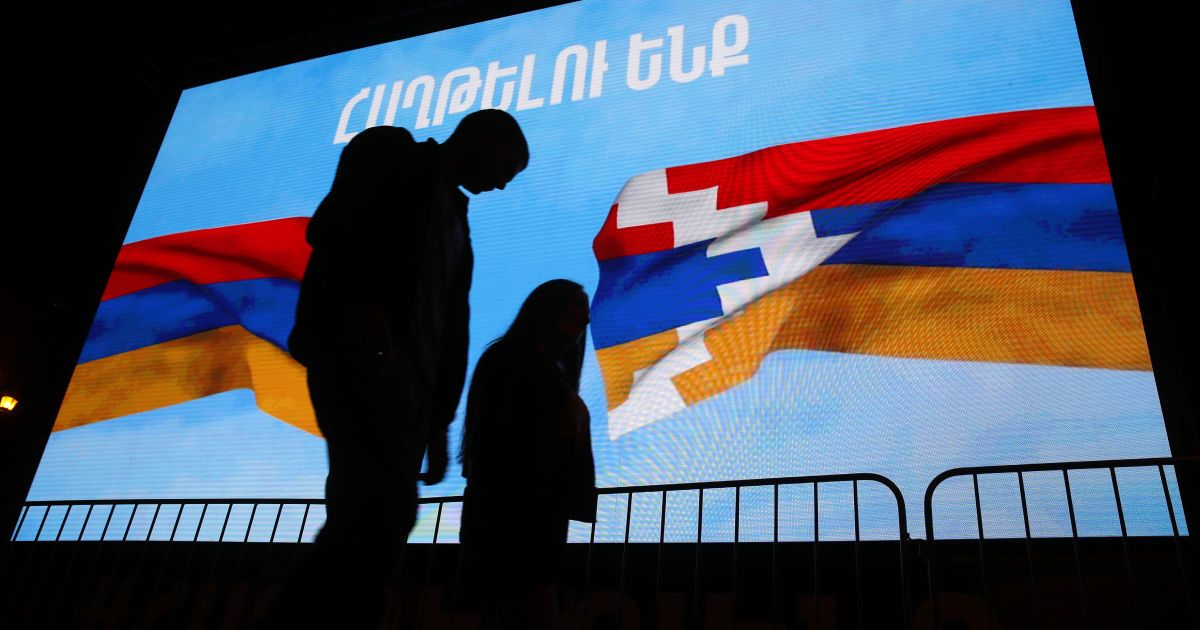 Протесты в Армении: участники митингов пришли к дому премьер-министра Пашиняна
