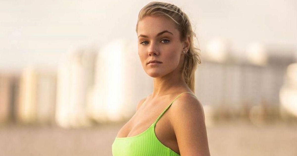 Российская экс-теннисистка опубликовала фото топлесс и попала под критику фанатов
