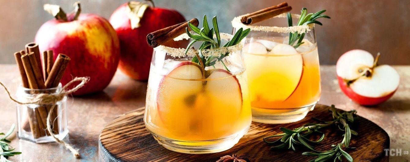 Десерти з яблук: 4 простих рецепти