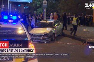 Полицейские задержали мужчину, который может быть причастен к аварии на остановке в Одессе