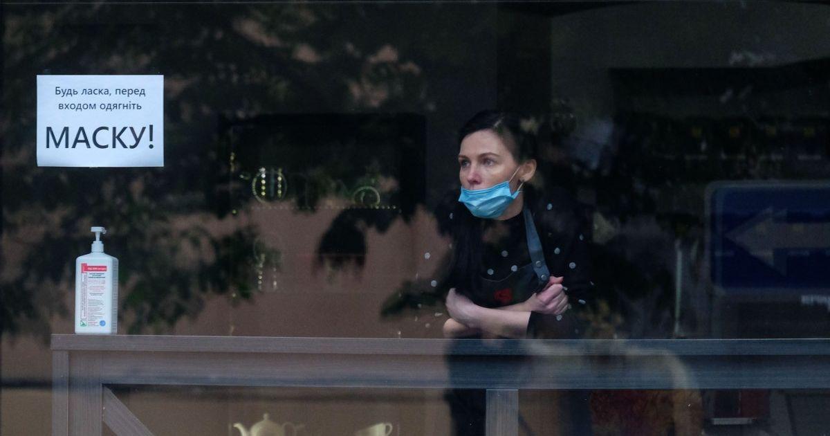 Зростання напруженості та хвилювання за близьких: соціологи дослідили карантинні настрої українців