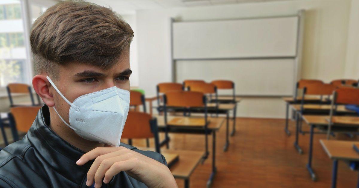 """""""Дій вдома"""" не работает"""": Кличко призвал к жесткому контролю больных с коронавирусом"""