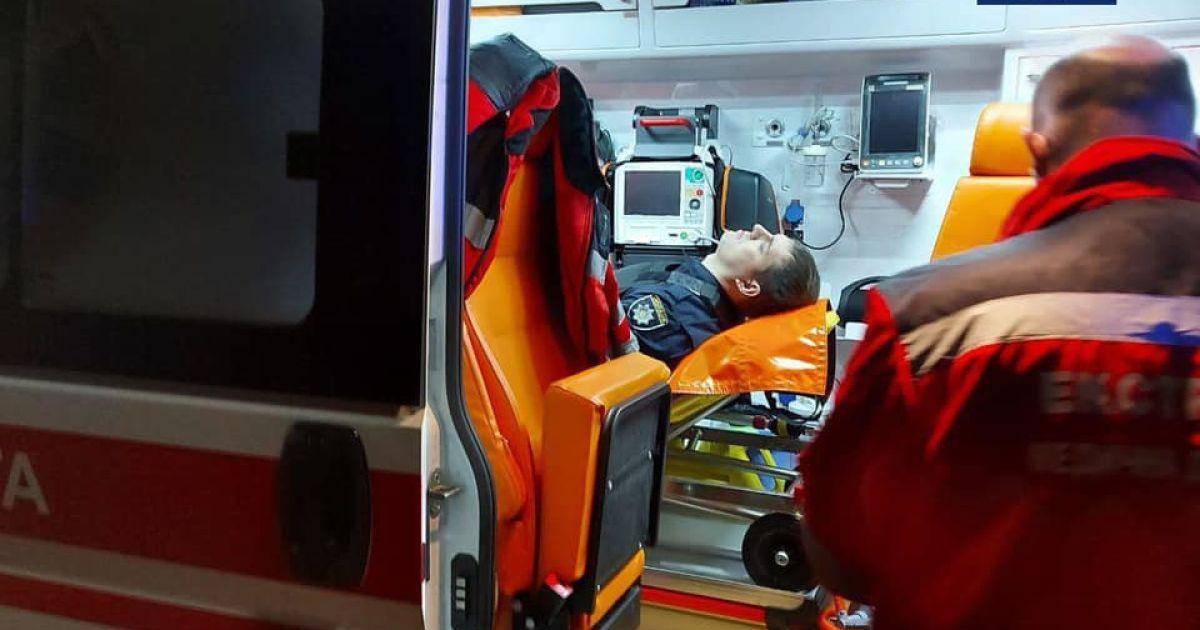 Раненый полицейский после перестрелки в Киеве прооперирован, однако в реанимации