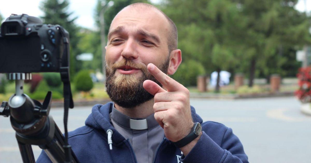 Падре Серж рассказывает: в Тернополе монах завел блог и собирает тысячи просмотров (видео)